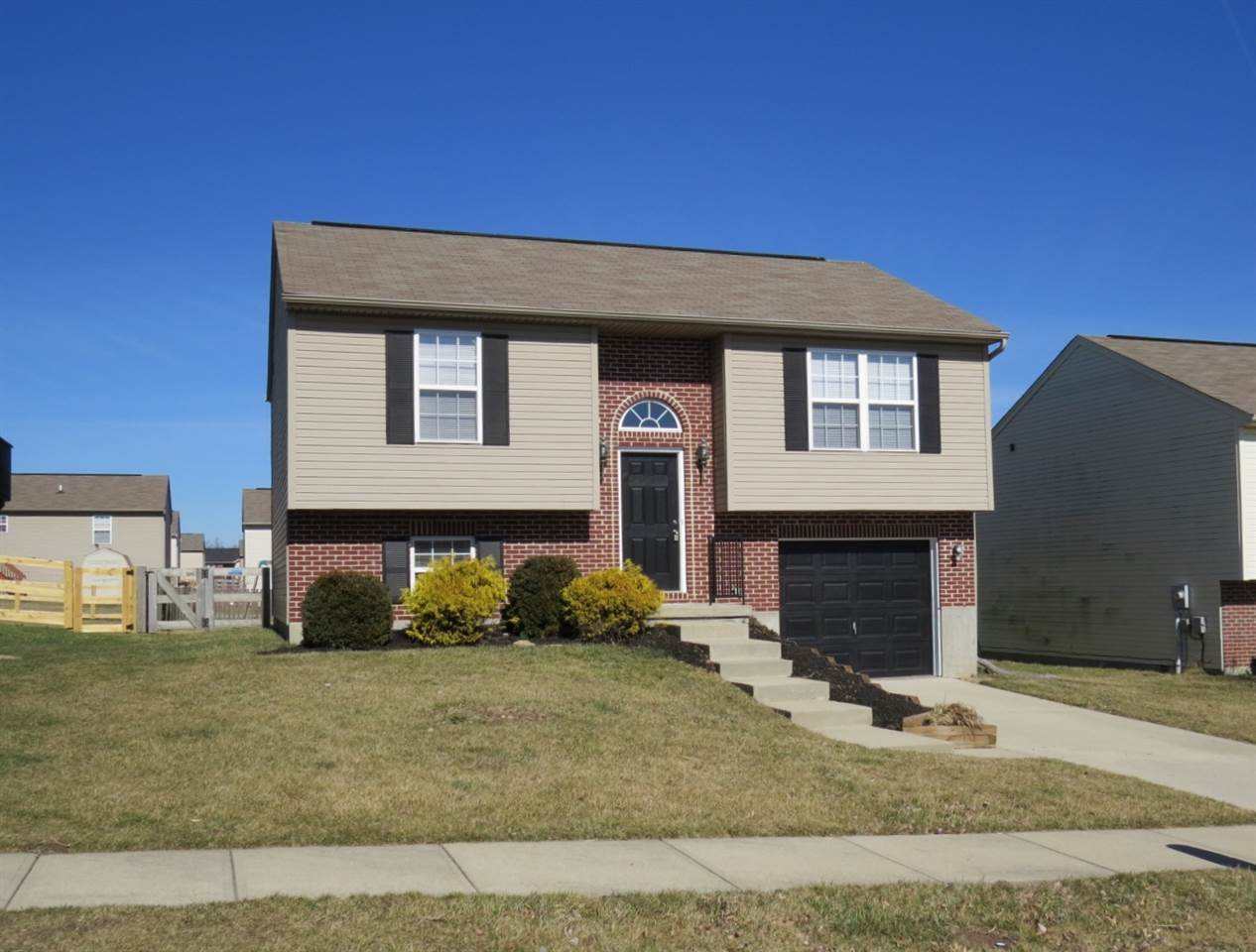 real estate photo 1 for 618 Cutter Ln Independence, KY 41051