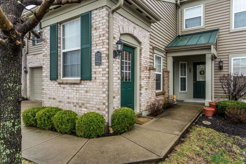 real estate photo 1 for 2233 Jackson Ct, 302 Florence, KY 41042