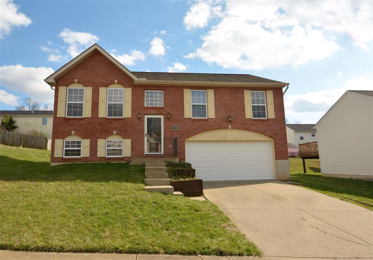 real estate photo 1 for 228 Brentwood Dr Dry Ridge, KY 41035