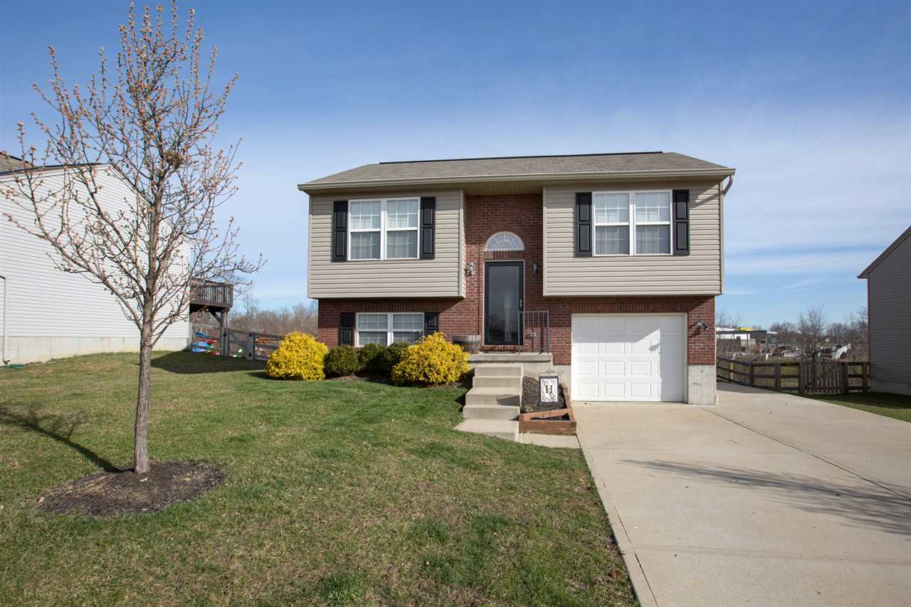 real estate photo 1 for 344 Rocky Pointe Ct Walton, KY 41094
