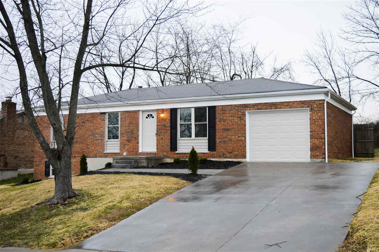 real estate photo 1 for 8442 Village Dr Florence, KY 41042