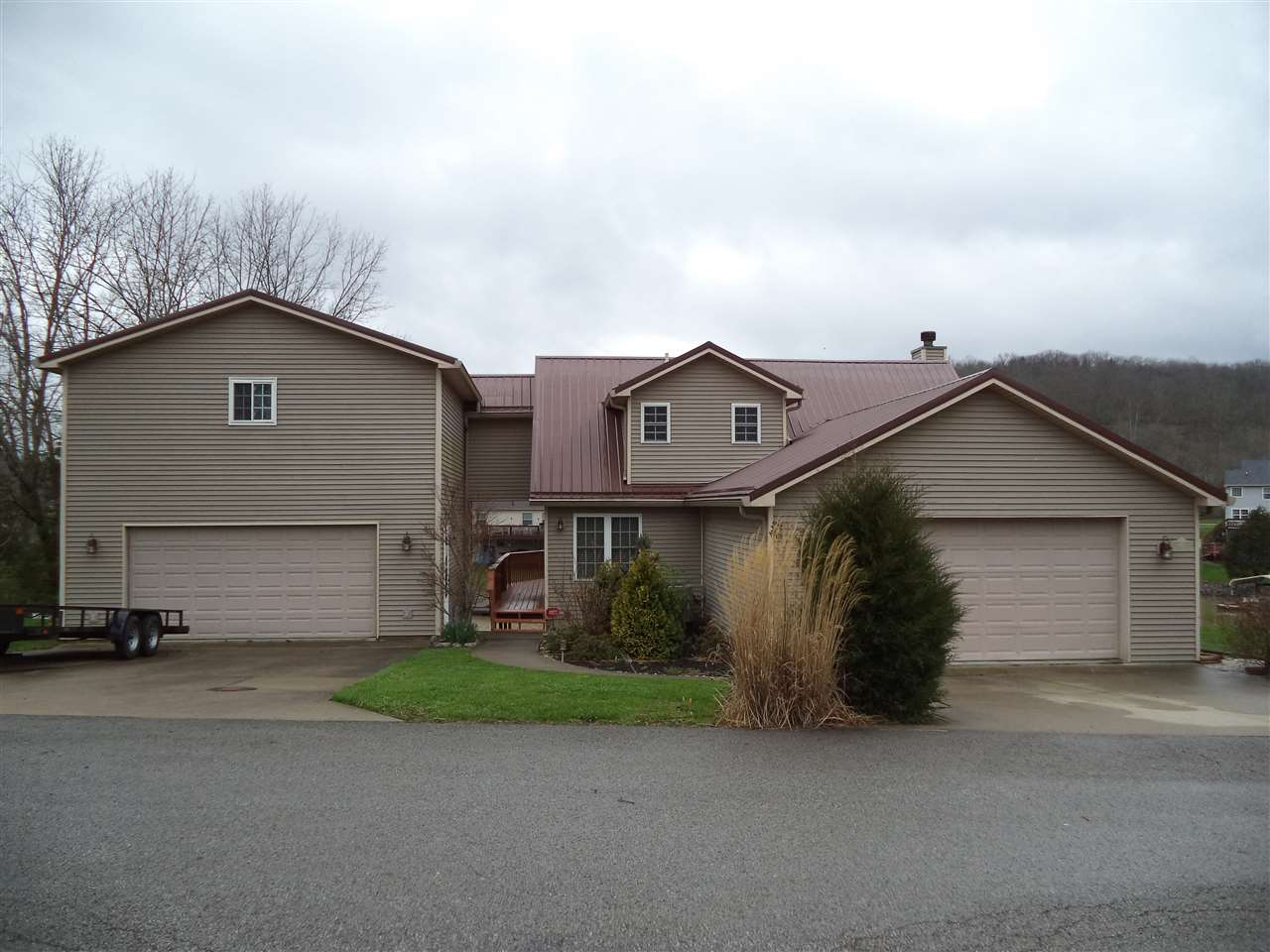 real estate photo 1 for 140 Bluffside Dr Sparta, KY 41086