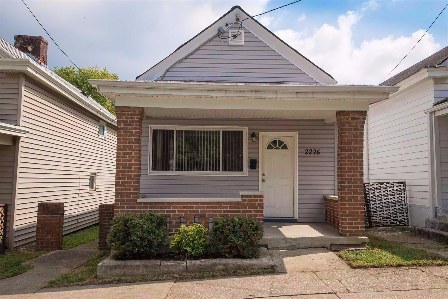 real estate photo 1 for 2226 Busse St Covington, KY 41014