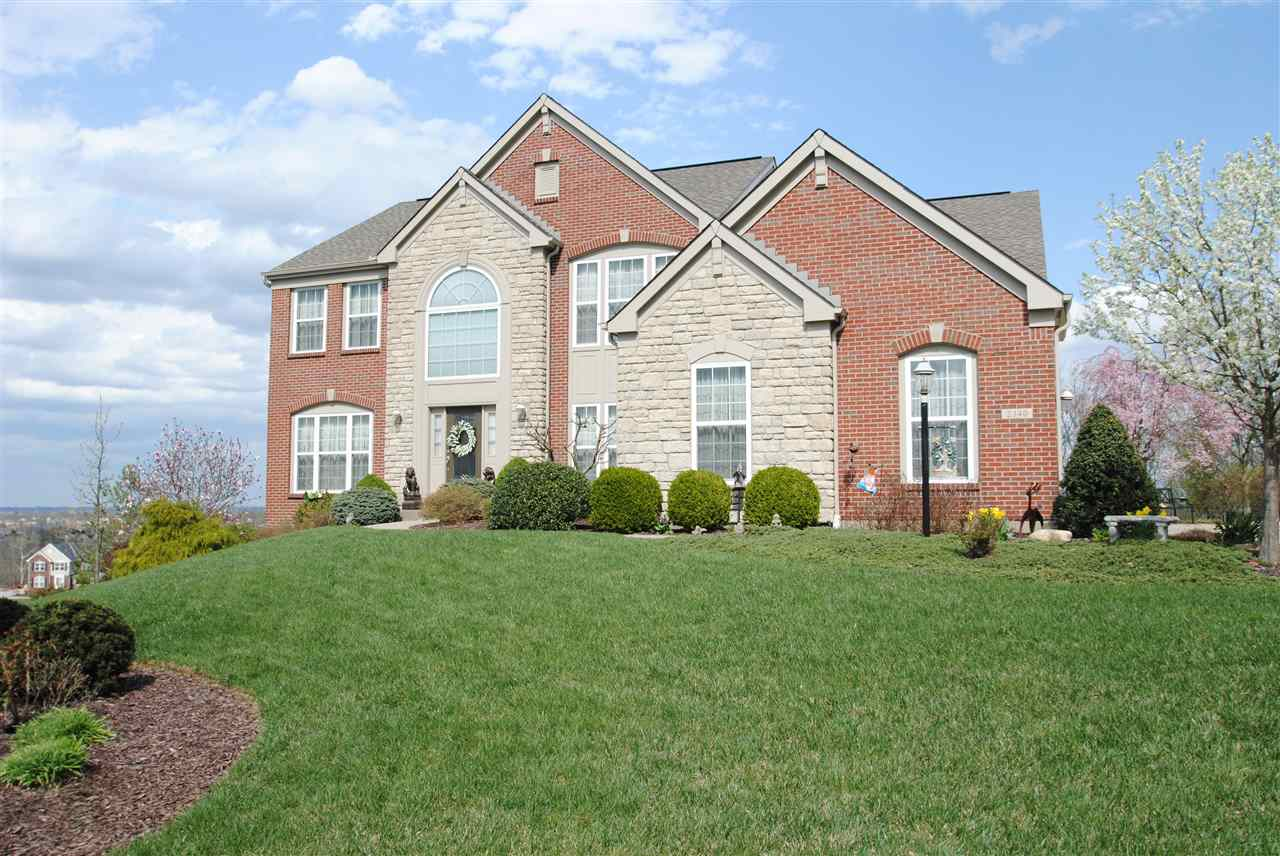 real estate photo 1 for 2340 Summerwoods Dr Hebron, KY 41048