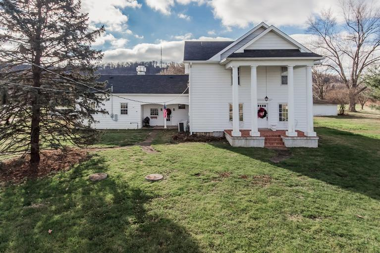 real estate photo 1 for 40 Dry Creek Rd Warsaw, KY 41095