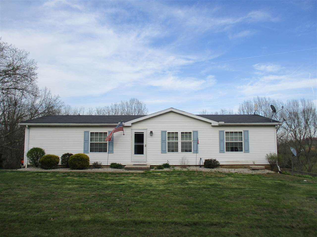 real estate photo 1 for 960 Ambrose Wright Falmouth, KY 41040