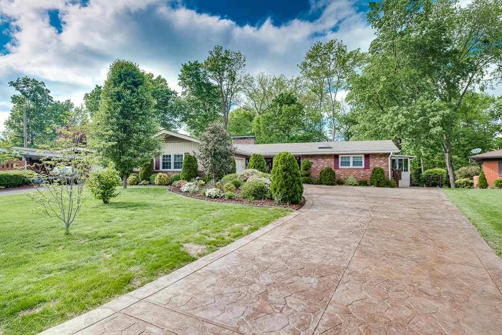 141 Tanglewood Trl Louisville, KY