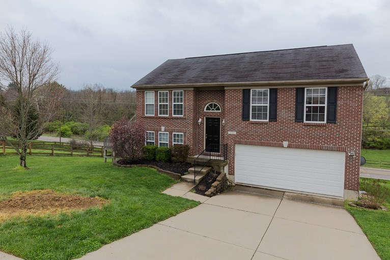 real estate photo 1 for 2715 Alex Ct Hebron, KY 41048