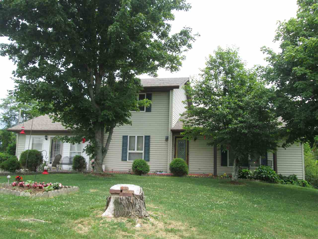 real estate photo 1 for 608 Corinth Hinton Rd Sadieville, KY 40370