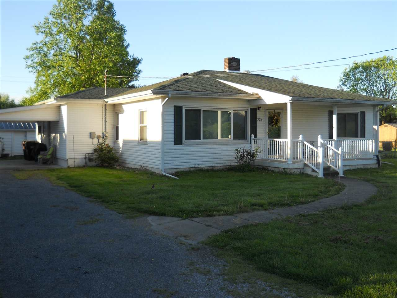 real estate photo 1 for 324 High St E Warsaw, KY 41095
