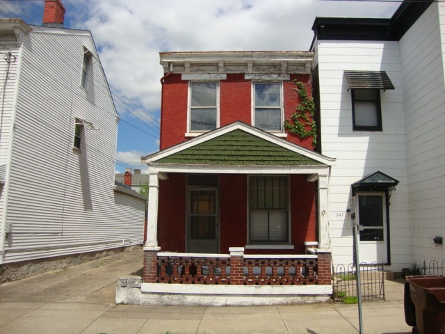 real estate photo 1 for 943 York St Newport, KY 41071