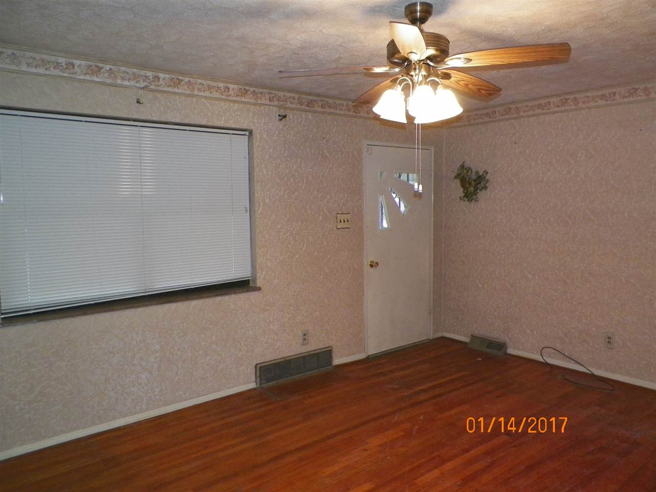 real estate photo 1 for 15 Janet Dr Taylor Mill, KY 41015