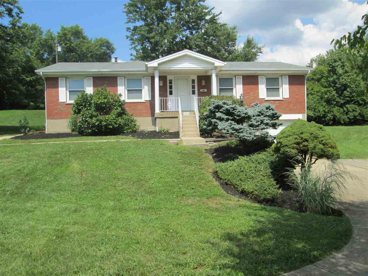 real estate photo 1 for 252 S. Ashbrook Circle Lakeside Park, KY 41017