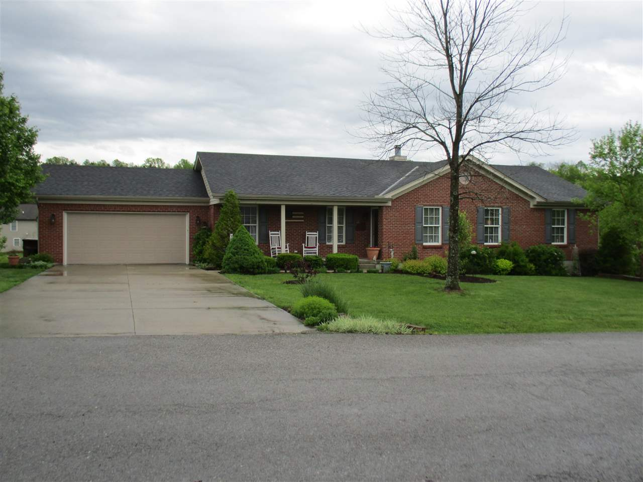 real estate photo 1 for 401 Cory Ln Butler, KY 41006