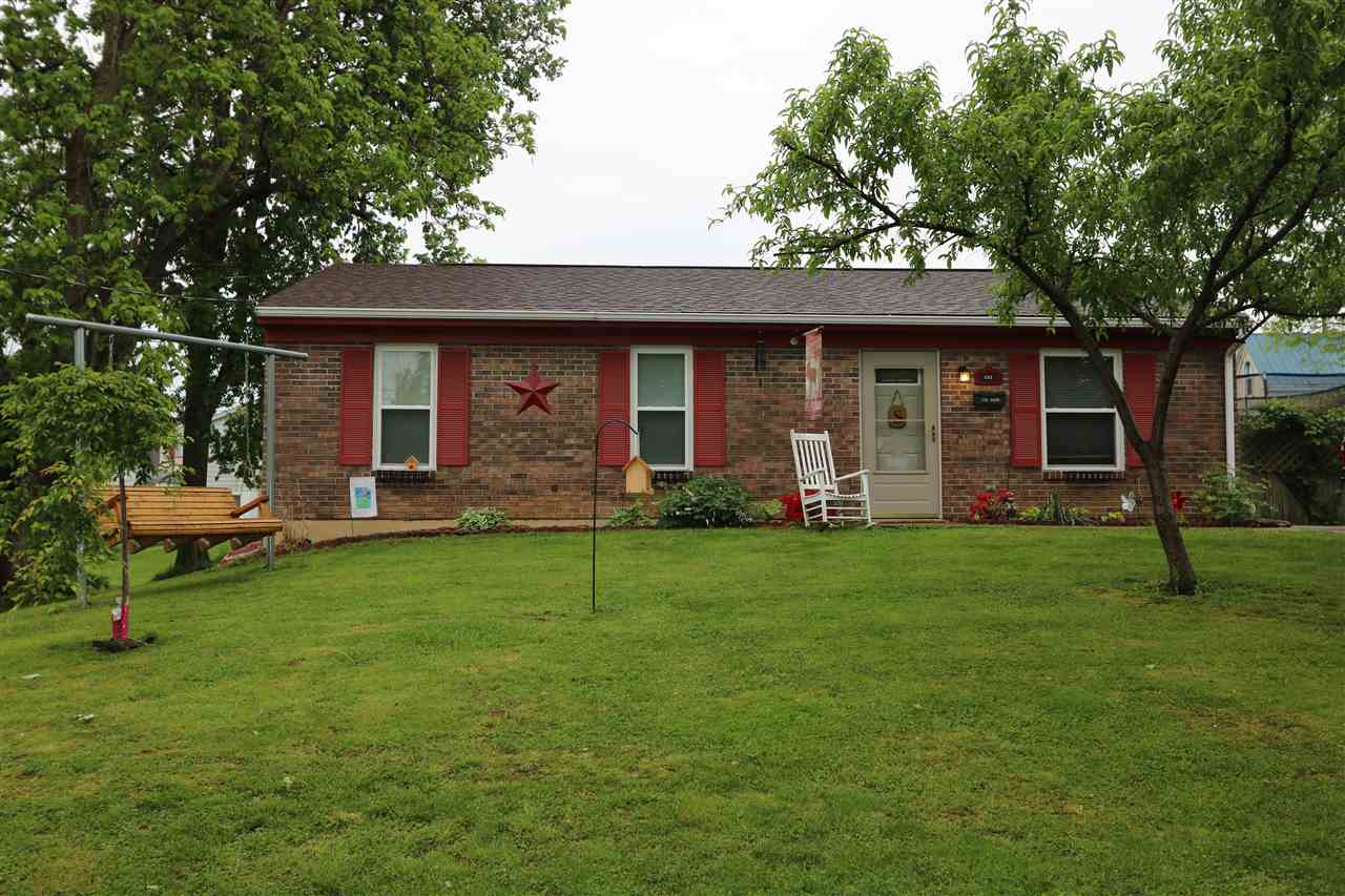 real estate photo 1 for 121 Greenup St Alexandria, KY 41001