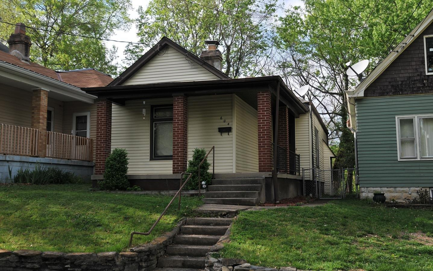 real estate photo 1 for 604 E 38th St Latonia, KY 41015