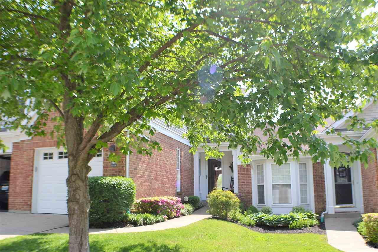 real estate photo 1 for 7311 Ridge Edge Ct Florence, KY 41042