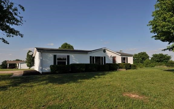 real estate photo 1 for 200 Derby Dr Crittenden, KY 41030