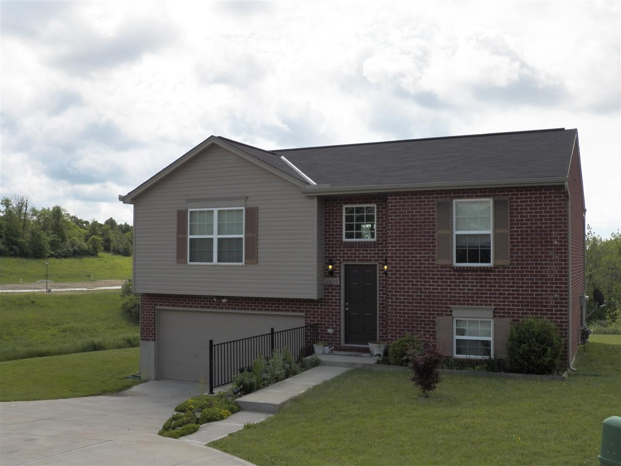 real estate photo 1 for 10659 Kelsey Independence, KY 41051