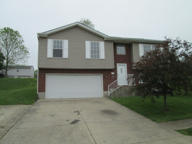 real estate photo 1 for 211 Crittenden Ct Crittenden, KY 41030