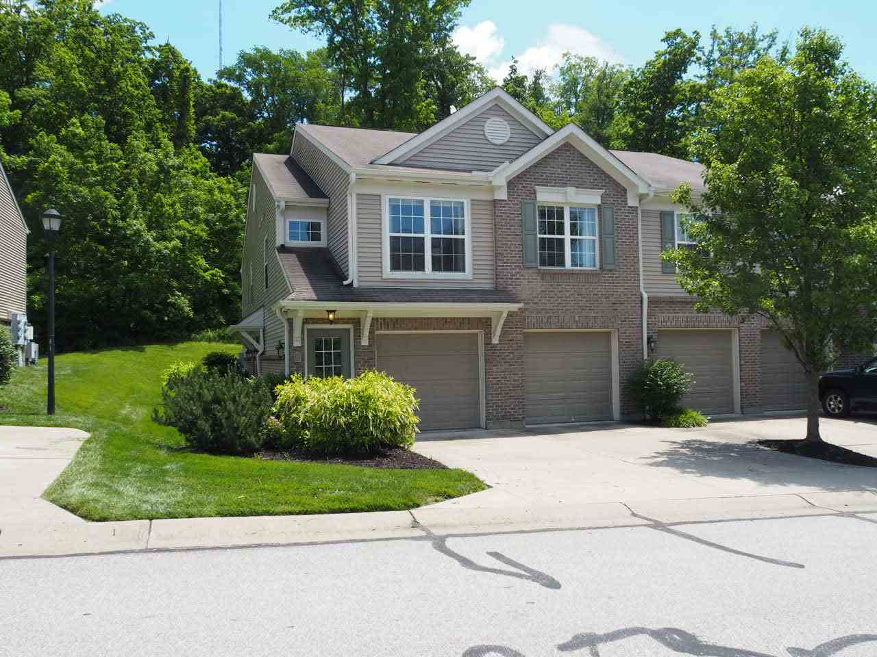 Photo 1 for 569 Rivers Breeze Dr Ludlow, KY 41016