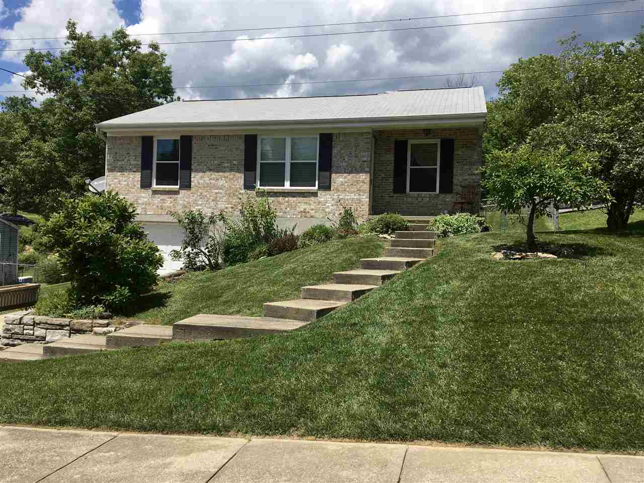 Photo 1 for 18 Valeside Dr Covington, KY 41017