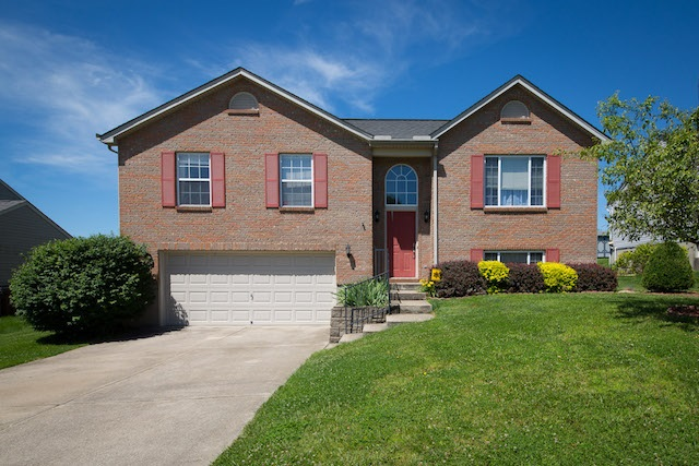 real estate photo 1 for 10182 Hiddenknoll Dr Independence, KY 41051
