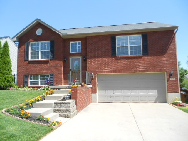 real estate photo 1 for 6522 Watson Ln Florence, KY 41042