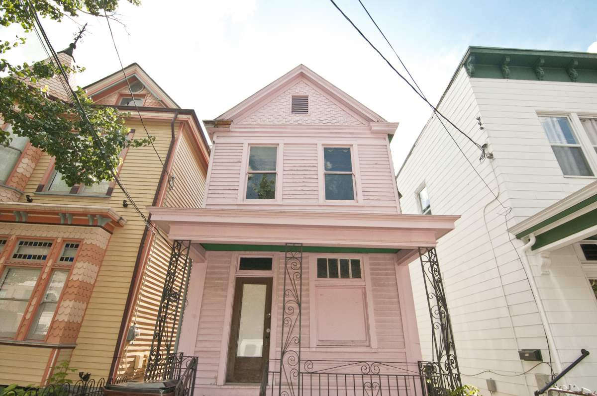 real estate photo 1 for 705 Greenup St Covington, KY 41011