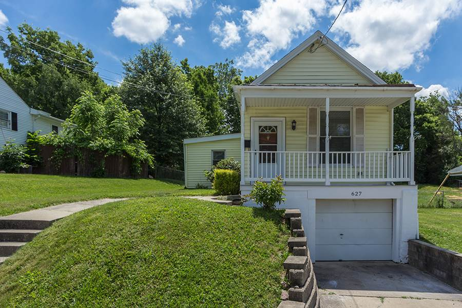 real estate photo 1 for 627 Willow St Elsmere, KY 41018