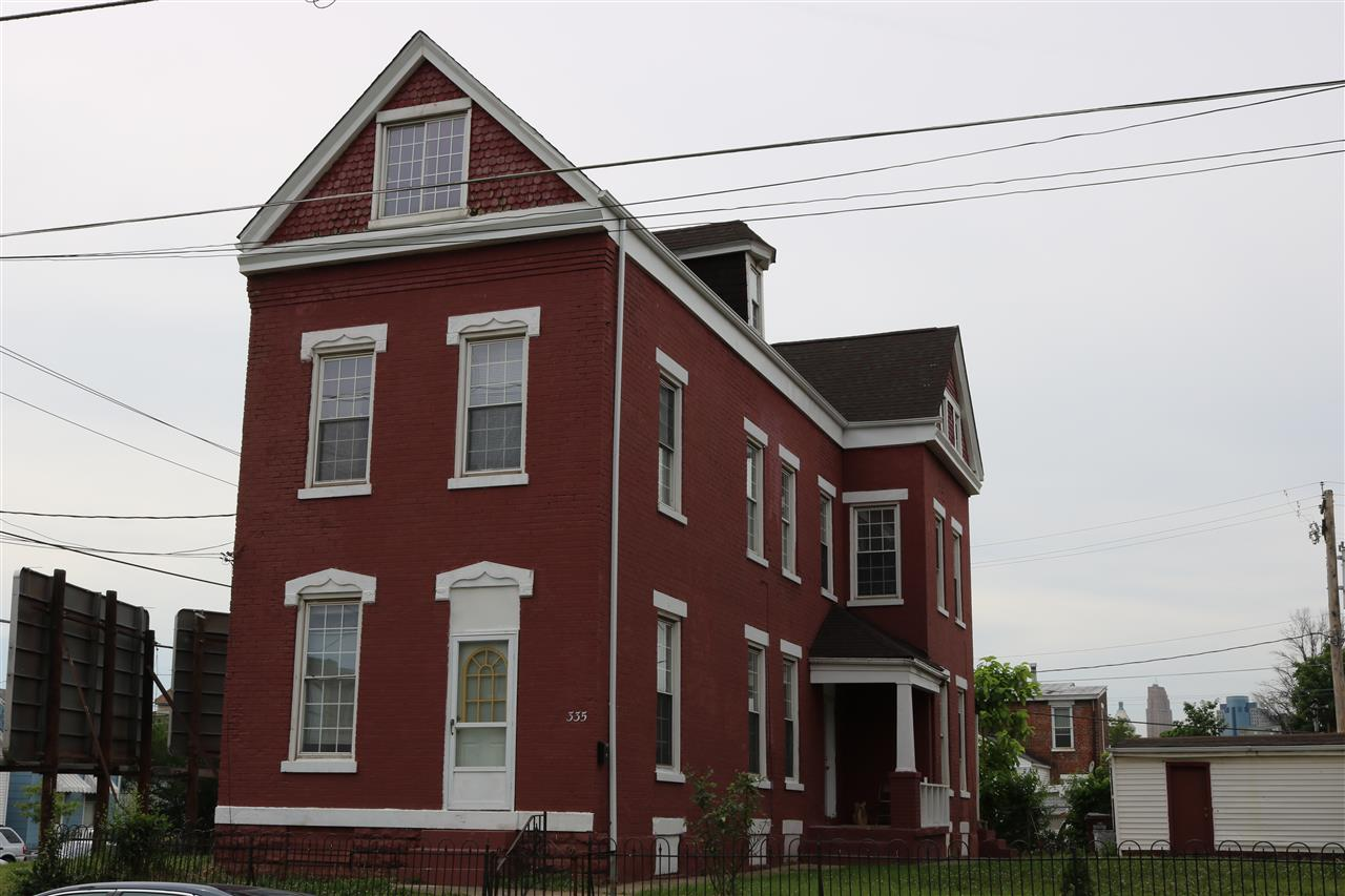 real estate photo 1 for 335 W 9th St Newport, KY 41071