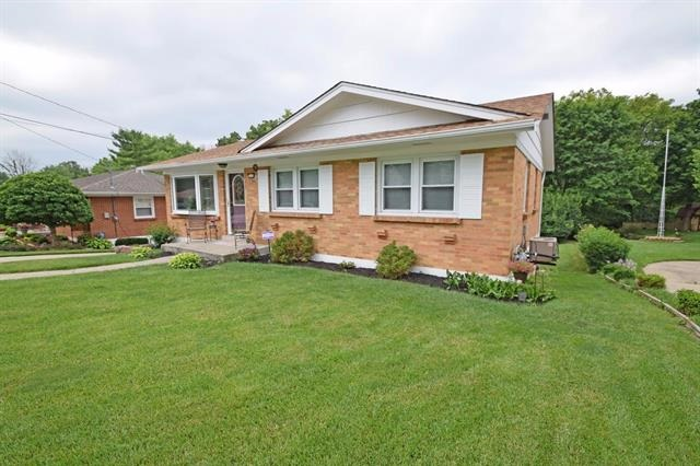real estate photo 1 for 206 Knollwood Highland Heights, KY 41076
