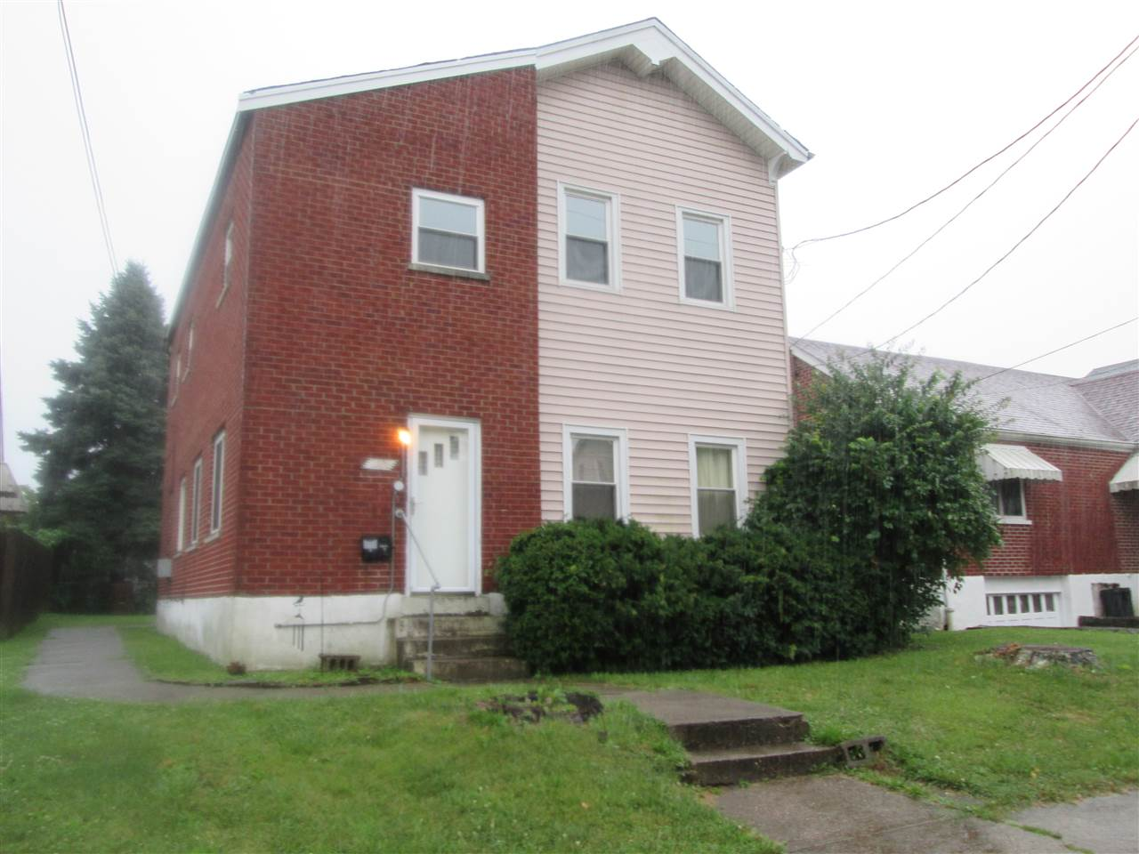 real estate photo 1 for 109 W 34th St Latonia, KY 41015
