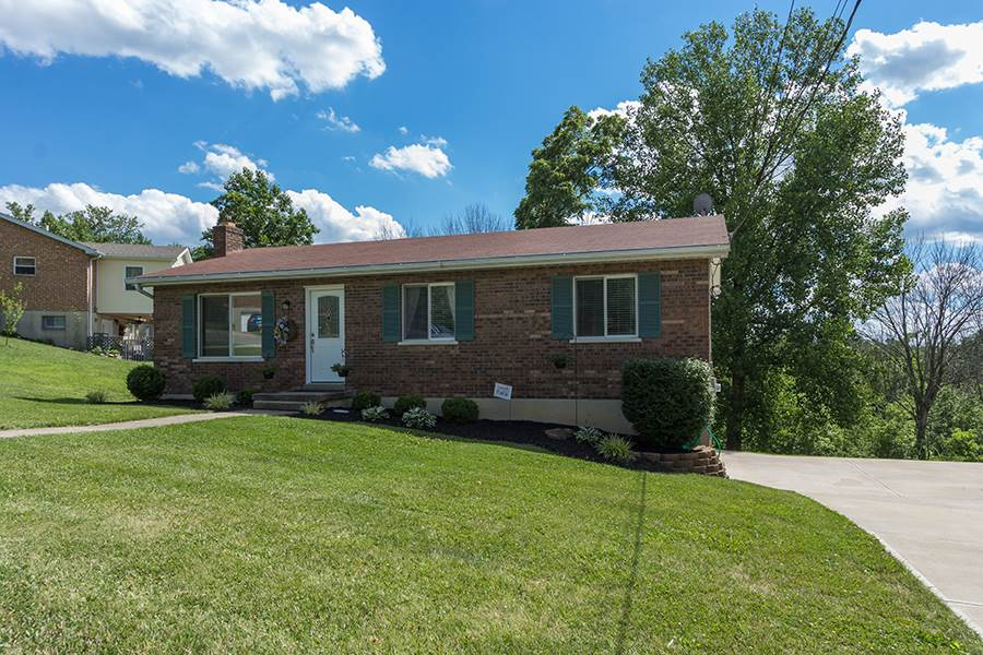 real estate photo 1 for 11682 Crestview Ln Alexandria, KY 41001