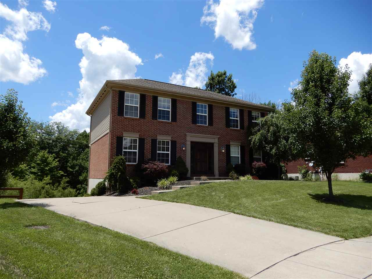 real estate photo 1 for 2819 Burnside Dr Burlington, KY 41005