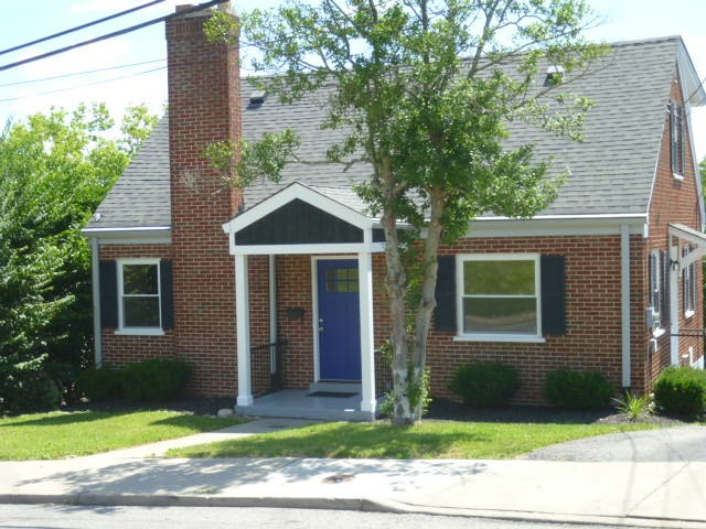 real estate photo 1 for 130 Kentucky Dr Newport, KY 41071