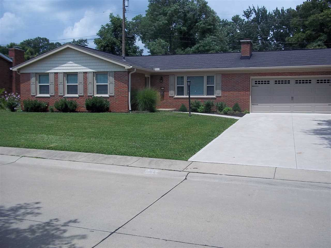 real estate photo 1 for 212 Applewood Dr Lakeside Park, KY 41017