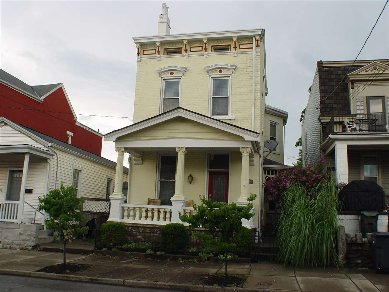 1033 Washington