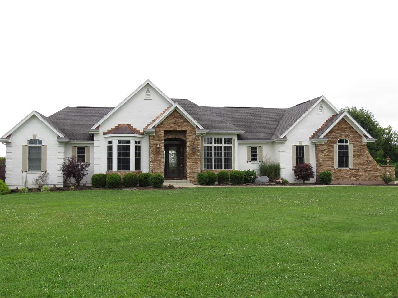 real estate photo 1 for 6734 Shadowlawn Dr Alexandria, KY 41001