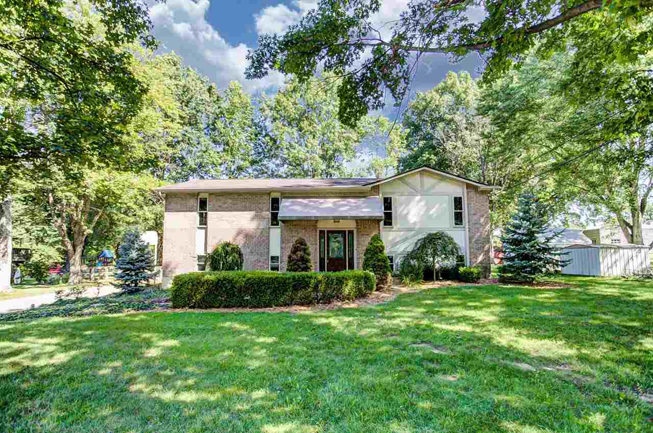 real estate photo 1 for 1724 Pioneer Blvd Burlington, KY 41005