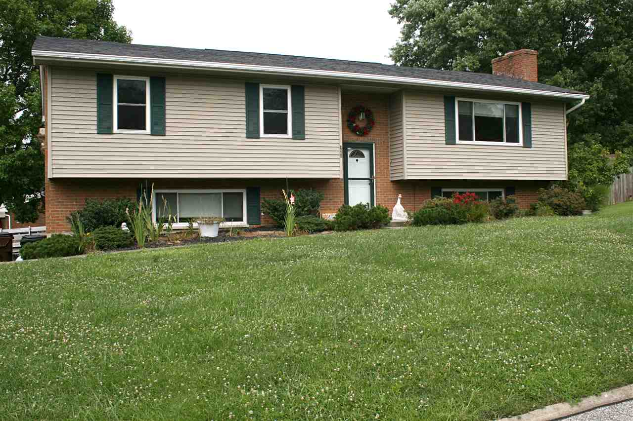 real estate photo 1 for 3606 Douglas Dr Alexandria, KY 41001