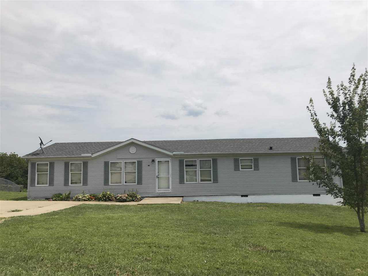 Photo 1 for 131 SOUTHRIDGE Dr Verona, KY 41092