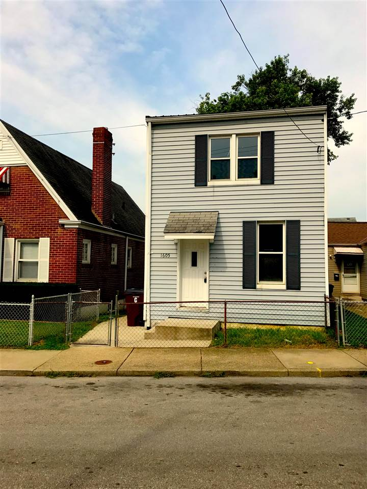 real estate photo 1 for 1605 Woodburn Covington, KY 41011