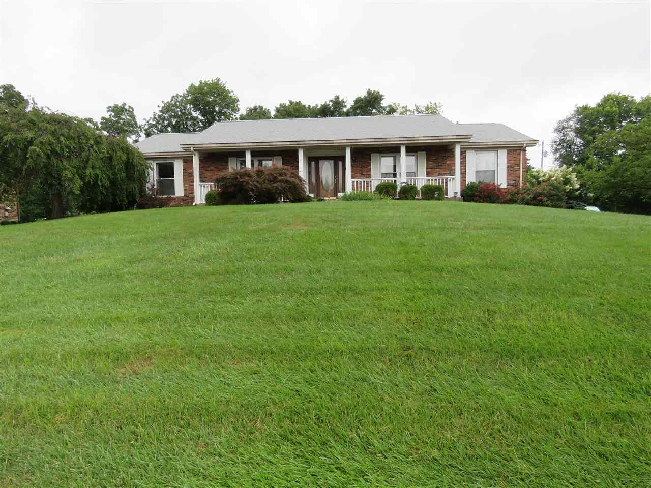 real estate photo 1 for 8883 Valley Circle Florence, KY 41042