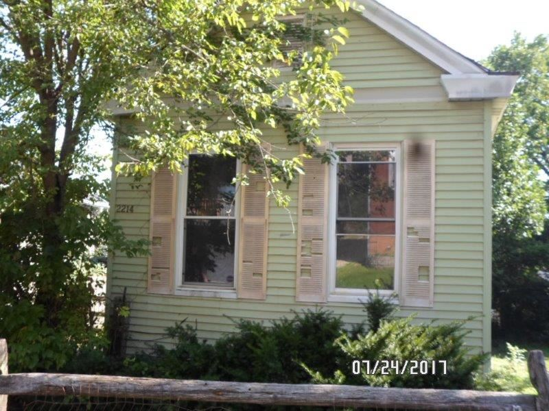 real estate photo 1 for 2214 Center St Covington, KY 41014
