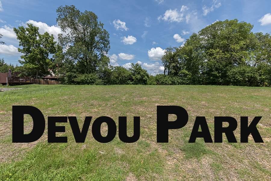 1008 Park Ln