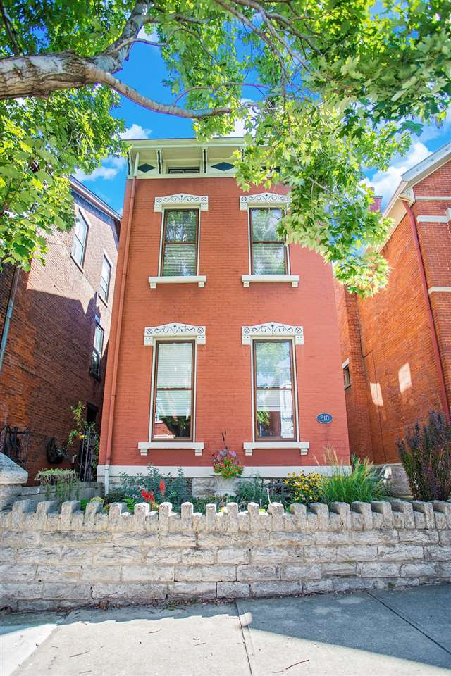 real estate photo 1 for 810 Greer St Covington, KY 41011