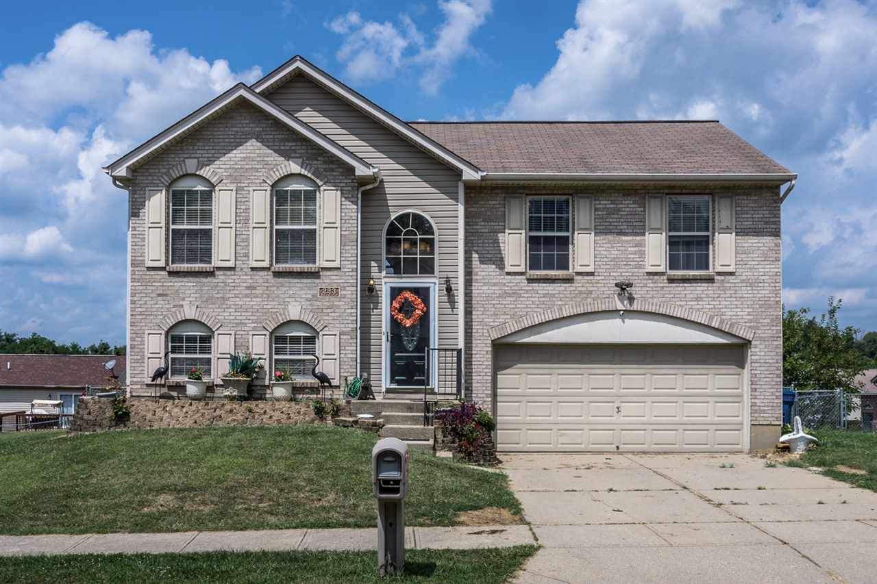 real estate photo 1 for 223 Redwood Dr Dry Ridge, KY 41035