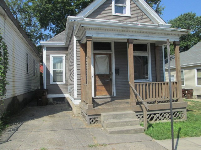 real estate photo 1 for 2031 Mackoy St Covington, KY 41014
