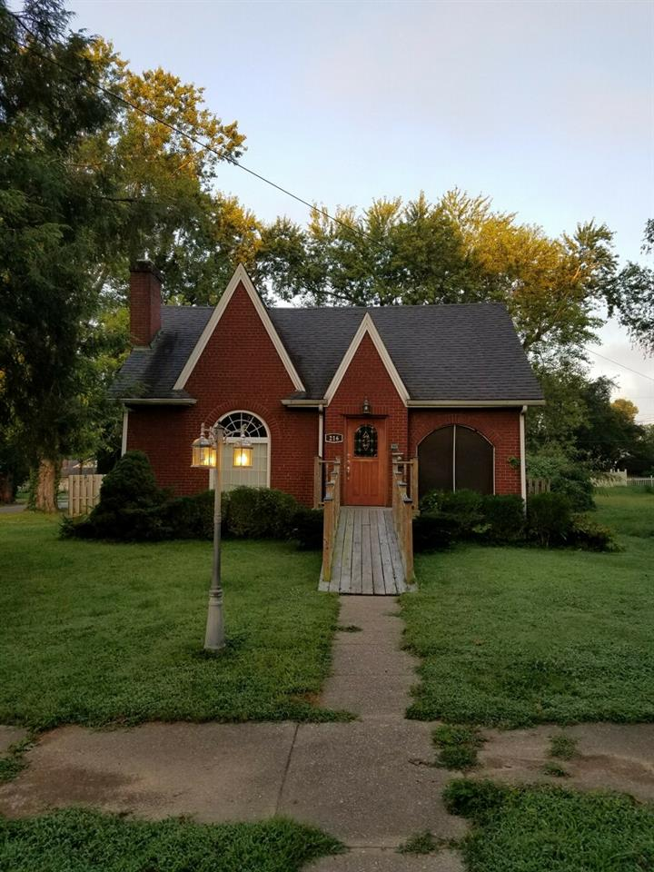real estate photo 1 for 216 10th St Carrollton, KY 41008